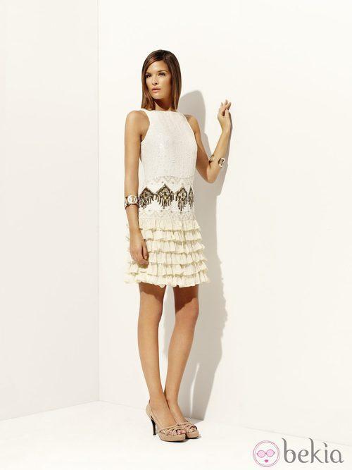Vestido blanco de paillettes y volantes de la colección 'Deneuve' primavera/verano 2012 Pedro del Hierro