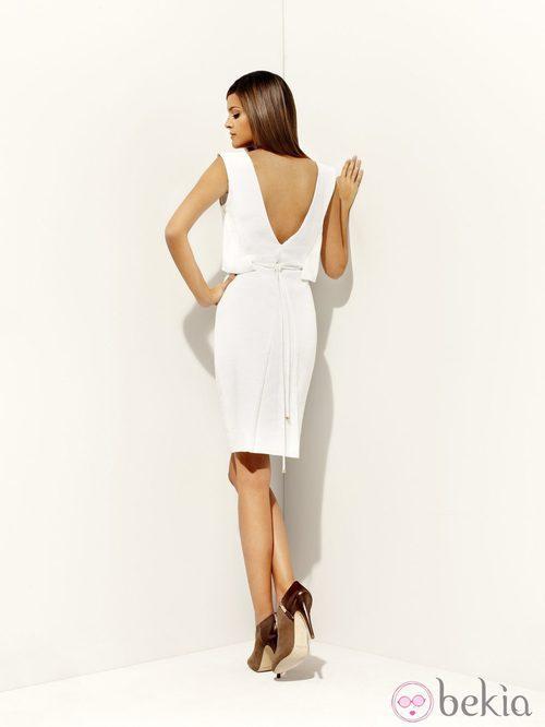 Vestido blanco con espalda descubierta de la colección 'Green' primavera/verano 2012 de Pedro del Hierro