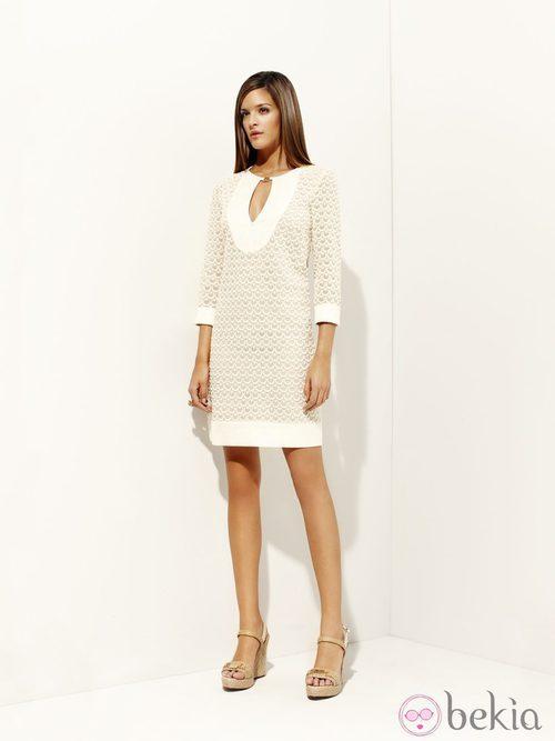 Vestido blanco de la colección 'Tautao' primavera/verano 2012 de Pedro del Hierro