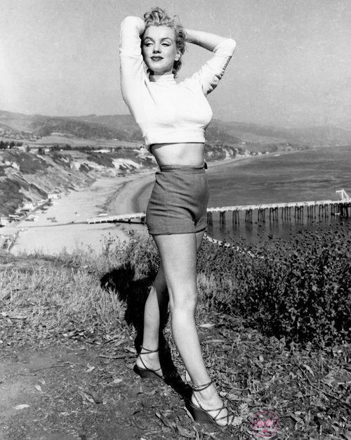 Marilyn Monroe con pantalón corto en 1950