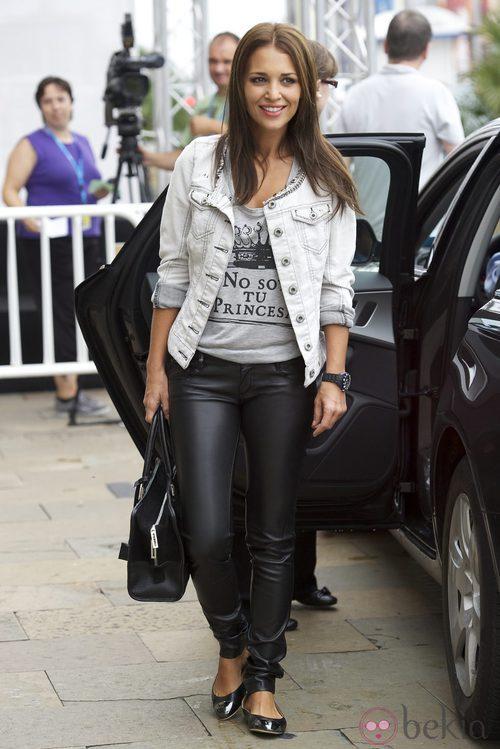 Paula Echevarría con unos pantalones de cuero negros
