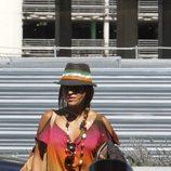 Paula Echevarría con shorts vaqueros y camiseta estampada