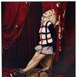 Rita Ora posa con jersey y falda vintage para la revista Asos Magazine