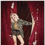Rita Ora posa con cazadora y botas militares para la revista Asos Magazine