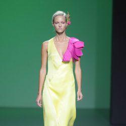 Vestido largo amarillo limón en la colección primavera/verano 2013 de Devota&Lomba