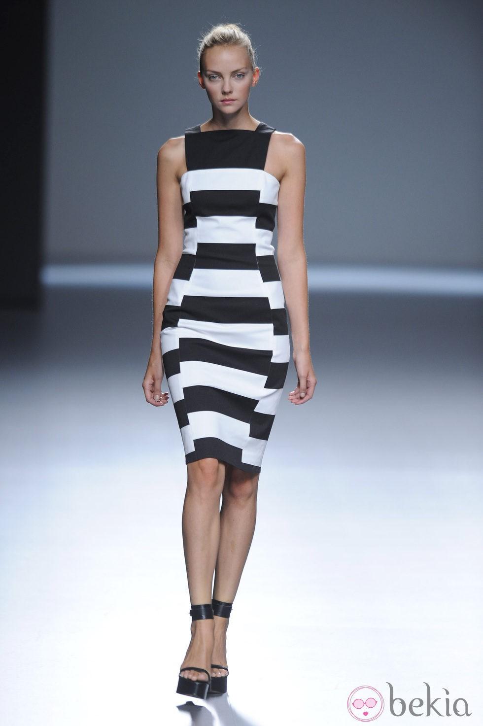 Vestidos de rayas blanco y negro