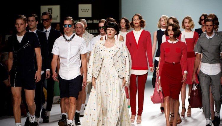 Modelos del desfile de la colección primavera/verano de David Delfín