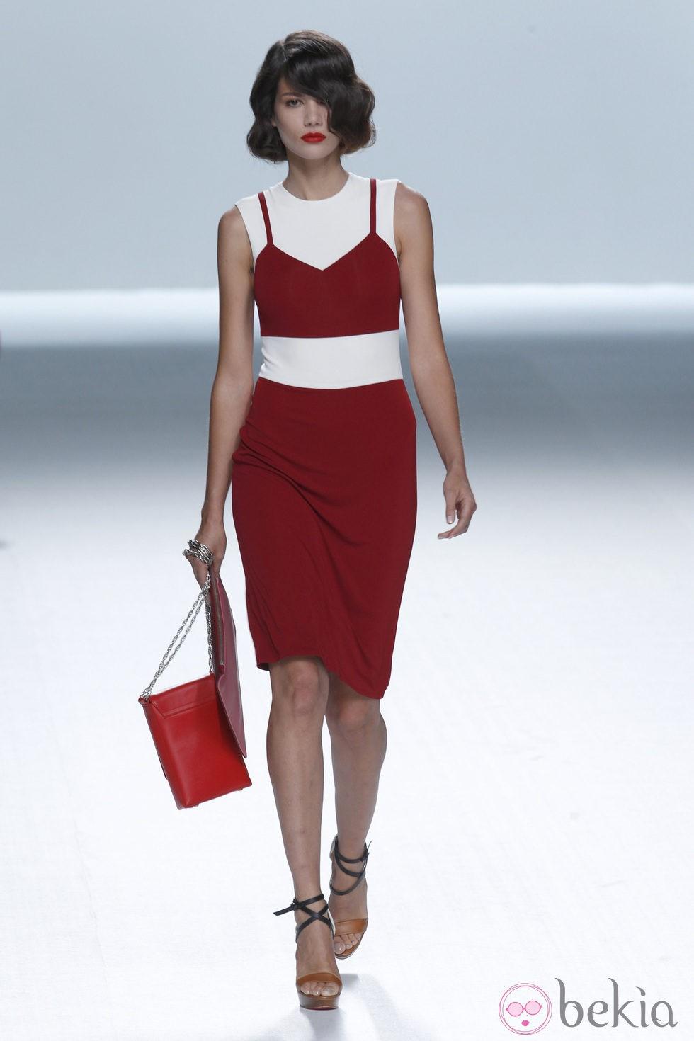 Vestidos de rojo y blanco