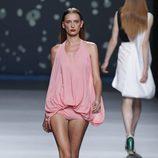 Body-blusón rosa palo de la colección primavera-verano 2013 de Amaya Arzuaga