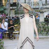 Vestido crudo vaporoso de la colección primavera-verano 2013 de la firma DELPOZO