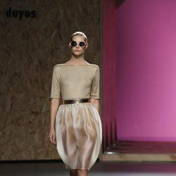Gafas hexagonales con complementos dorados de la colección primavera-verano 2013 de Duyos
