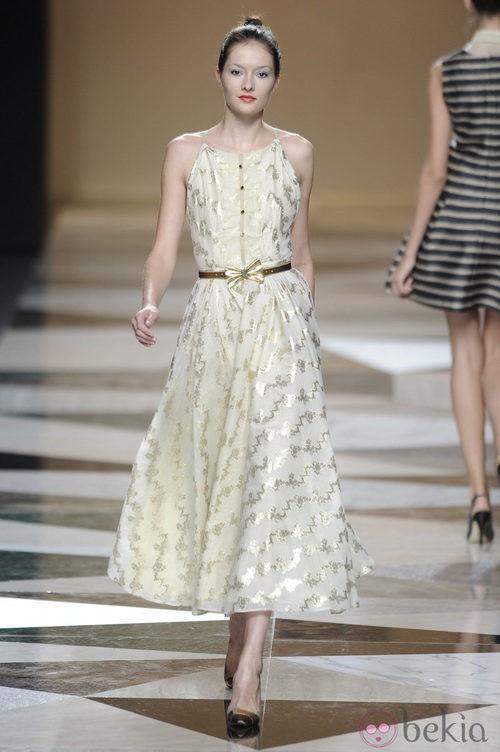 Vestido largo blanco de la colección primavera-verano 2013 de Ailanto