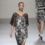 Vestido estampado floral de la colección primavera-verano 2013 de Roberto Torretta
