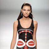 Vestido ajustado étnico de la colección primavera/verano 2013 de María Escoté