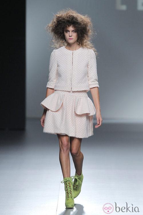 Traje de chaqueta con falda peplum de Teresa helbig, colección primavera/verano 2013