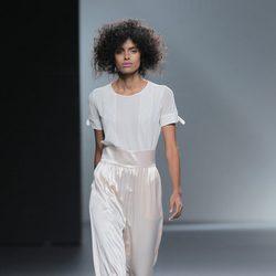 Pantalón de raso de Teresa helbig, colección primavera/verano 2013