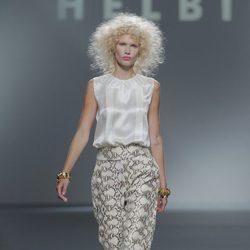 Pantalón con estampado de serpiente de Teresa helbig, colección primavera/verano 2013