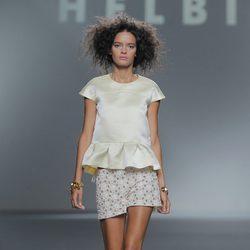 Short con encaje de Teresa Helbig, colección primavera/verano 2013