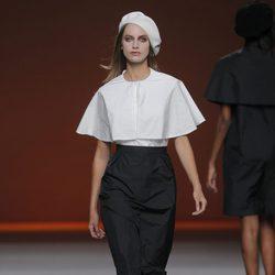 Camisa con capelina de Lemoniez, colección primavera/verano 2013
