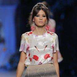 Falda de punto de Francis Montesinos, colección primavera/verano 2013