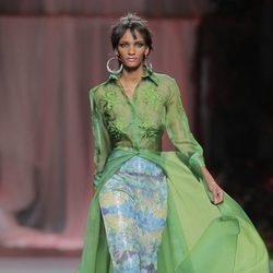 Camisa verde transparente de Francis Montesinos, colección primavera/verano 2013