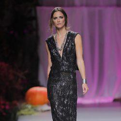 Vestido de noche con escote pico de Francis Montesinos, colección primavera/verano 2013