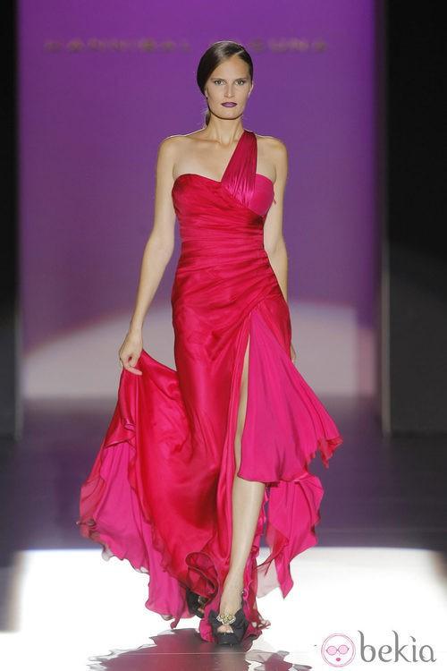 Vestido con cuerpo fruncido de Hannibal Laguna, colección primavera/verano 2013