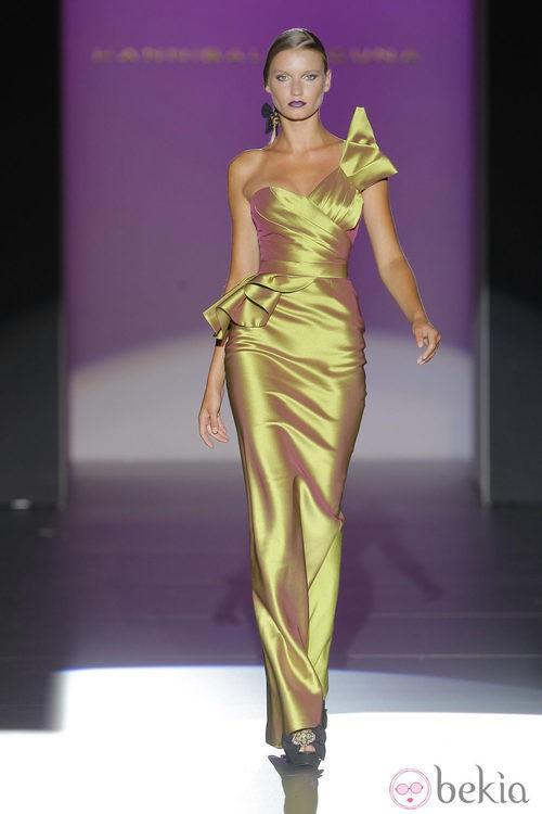 Vestido asimétrico de Hannibal Laguna, colección primavera/verano 2013