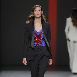 Traje de chaqueta de Miguel Palacio, colección primavera/verano 2013