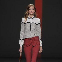 Pantalón pitillo de Miguel Palacio, colección primavera/verano 2013
