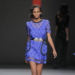 Vestido azul de Miguel Palacio, colección primavera/verano 2013