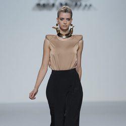 Pantalón bombacho de María Barros, colección primavera/verano 2013