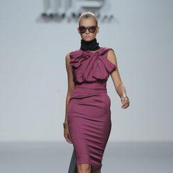 Vestido rosa con escote fruncido de María Barros, colección primavera/verano 2013