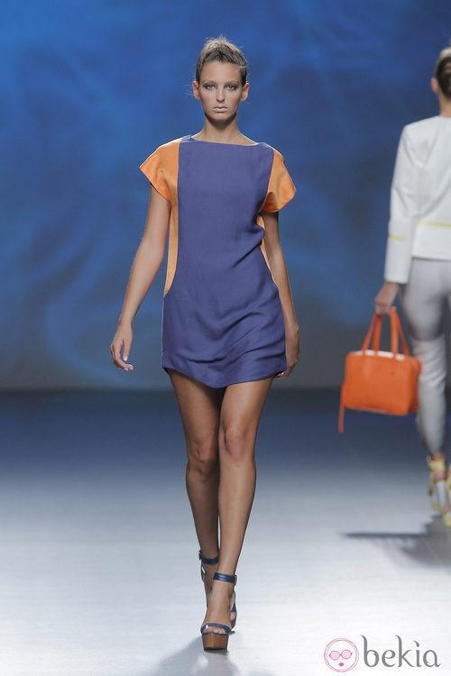 Vestido violeta de Sara Coleman, colección primavera/verano 2013