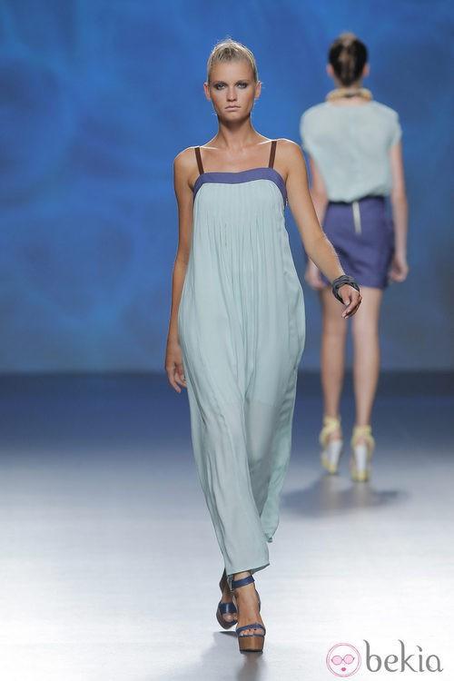 Vestido azul celeste de Sara Coleman, colección primavera/verano 2013