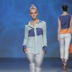 Blusa asimétrica de Sara Coleman, colección primavera/verano 2013