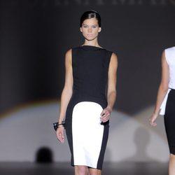 Vestido blanco y negro de Juana Martín, colección primavera/verano 2013