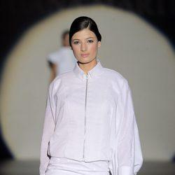 Camisa con cremallera de Juana Martín, colección primavera/verano 2013