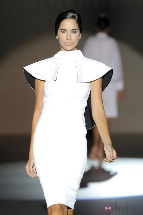 Vestido blanco de Juana Martín, colección primavera/verano 2013