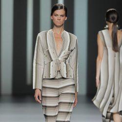 Traje de chaqueta de Martín Lamothe, colección primavera/verano 2013
