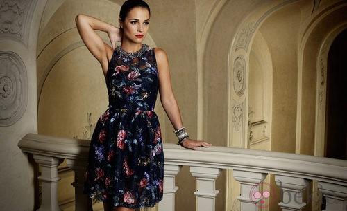 Paula Echevarría con un vestido floral del otoño/invierno 2012/2013 de Suiteblanco