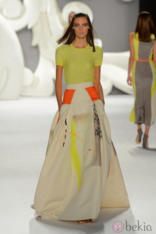 Top y falda largo con detalles en tono flúor de Carolina Herrera primavera/verano 2013