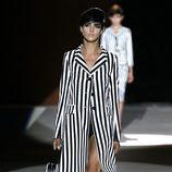 Abrigo a rayas blancas y negras de Marc Jacobs primavera/verano 2013