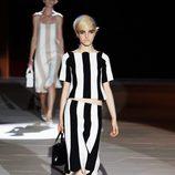 Top y falda a rayas blancas y negras de Marc Jacobs primavera/verano 2013