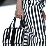 Detalle de uno de los bolsos presentados por Marc Jacobs en la Semana de la Moda de Nueva York