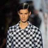 Estampado de para de gallo en el desfile de Michael Kors en la Semana de la Moda de Nueva York
