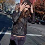 Chaqueta de cuero de la colección femenina otoño/invierno 2012/2013 de Lee