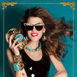 Anna Dello Russo protagoniza la campaña de su colección de complementos para H&M