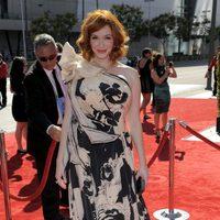 Christina Hendricks no acierta sobre la alfombra roja de los Emmy Creativos 2012