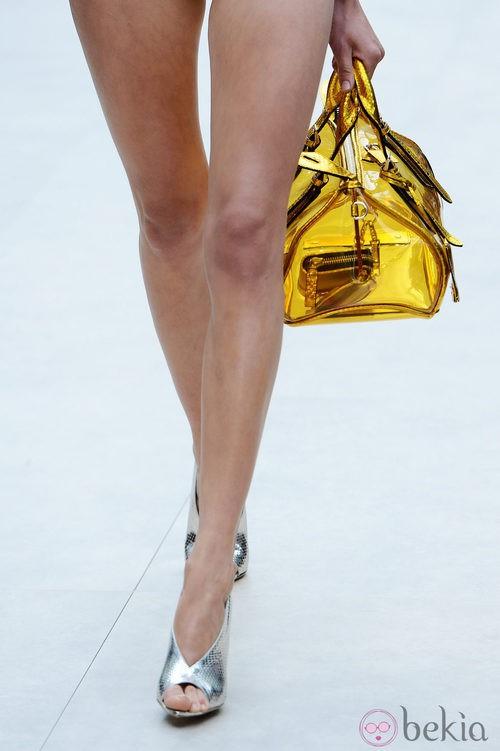 Bolso dorado transparente de Burberry primavera/verano 2013